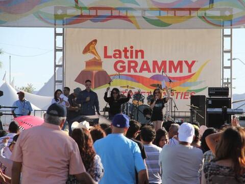 Cientos de personas disfrutaron de la tremenda celebración del La...