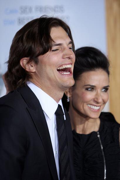 En 2010, se dijo que Ashton le había sido infiel a su esposa con una chi...