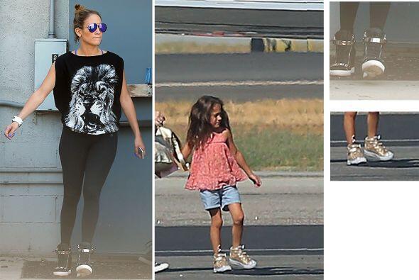 Para nadie es extraño que la pequeña Emme es idéntica a su mami JLo. Lo...