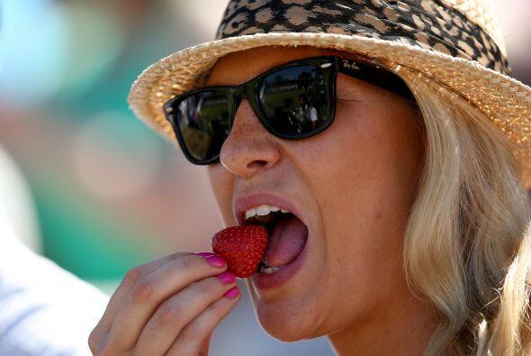 Las Guías Alimentarias recomiendan que los adultos que hacen menos de 30...