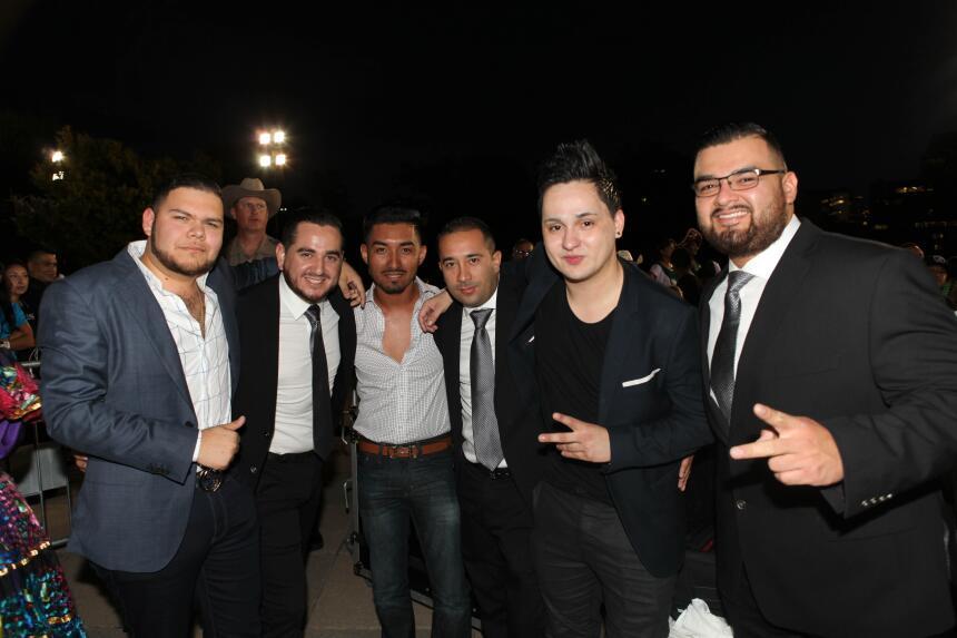 El equipo de Univision dio El Grito con mariachi y grandes espectáculos...