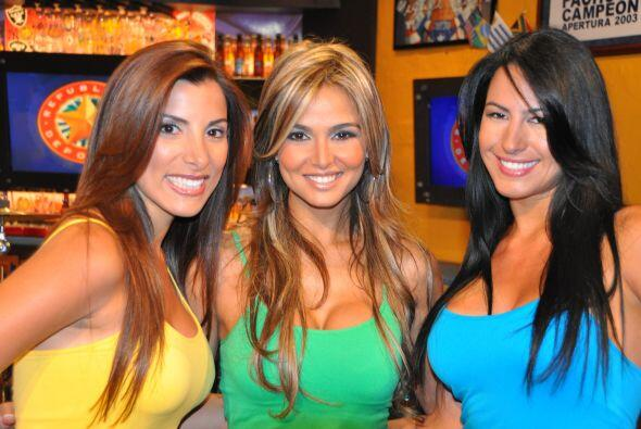 Aquí tienes al trío de mujeres más hermoso de toda...