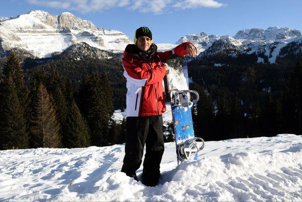 El que parece disfrutar la nieve es Valentino Rossi.