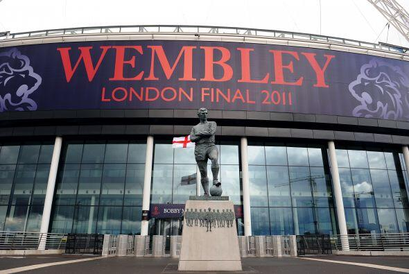 El mítico estadio de Wembley espera a los equipos.