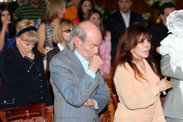 La Vero y el 'Loco' se sentaron juntitos durante la misa.