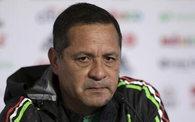 Pompilio Páez confirma que convocará jugadores que están en la Confedera...