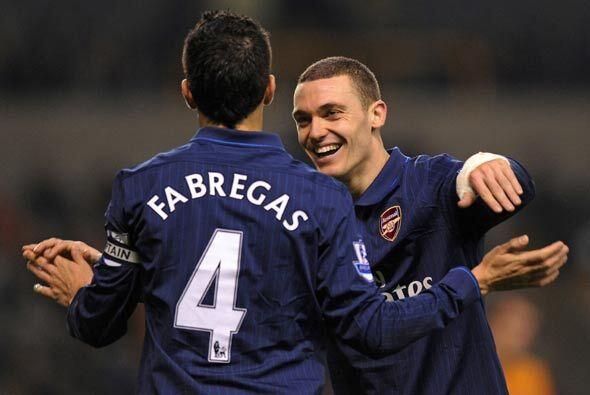 Cesc y Arshavin sumaron dos más para el Arsenal que así ganó 4-1.