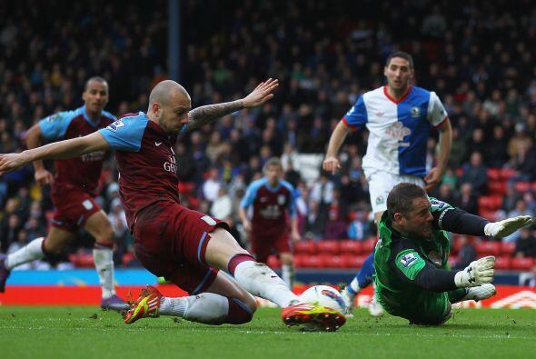 ASton Villa y Blackbur Rovers empataron 1 a 1.