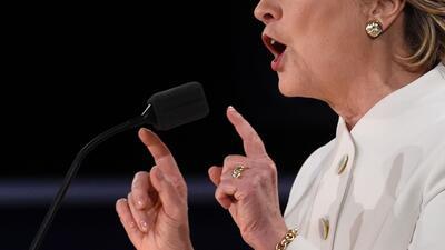 Pelea de manos en el tercer debate