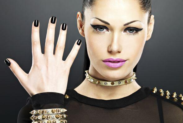 Por eso te presentamos los 'tips' básicos para cuidar de tus uñas y fort...