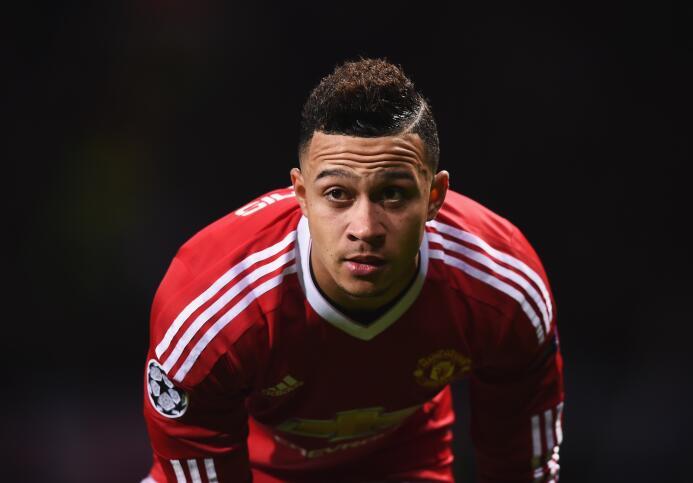 En el 2015, Manchester United pagó casi 30 millones de euros por Memphis...