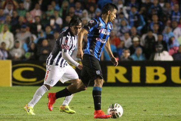 Además del gol, el joven atacante se mostró participativo y defendió a s...