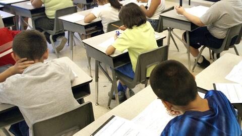 ¿Cómo ayudar a los niños para que aprueben los exámenes estatales?