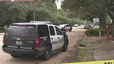 Un estudiante muerto y otro herido deja un tiroteo cerca a una escuela en Houston