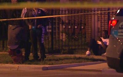 Cinco personas heridas deja un tiroteo en Austin, Chicago
