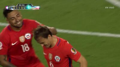 Gooool!!! José Pedro Fuenzalida Gana remata de cabeza y anota para Chile