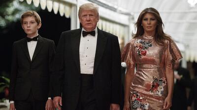 Trump celebró el Año Nuevo con una lujosa fiesta en su club privado de F...