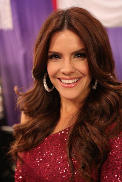 Verla bailar al lado de las seis reinas de Nuestra Belleza Latina ser&aa...