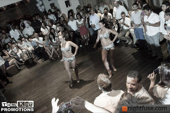 """El club nocturno Red Revolver estrenó su noche """"Latin Fusion"""" con bachat..."""