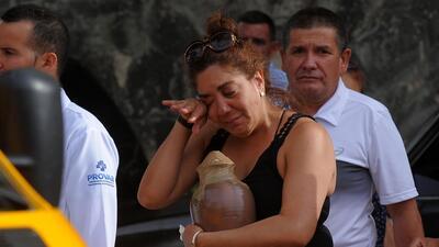 Familiares de los fallecidos en el accidente aéreo en La Habana lloran m...