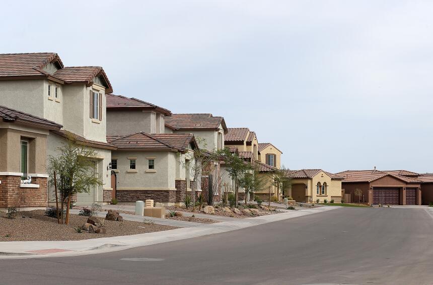 También el bajo costo de los impuestos a las propiedades.