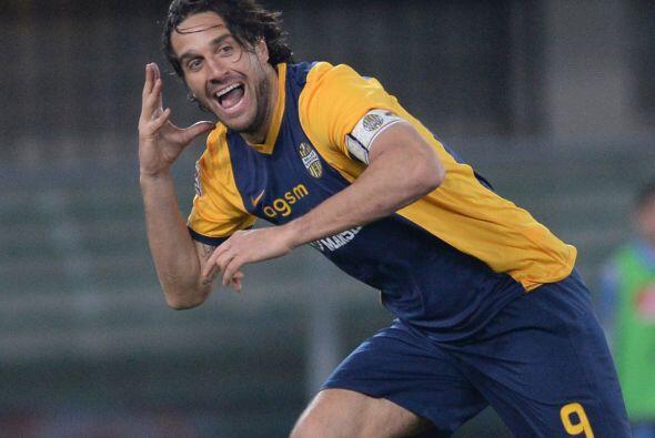 Hasta el momento Luca Toni, delantero del Hellas Verona,  es mejor golea...