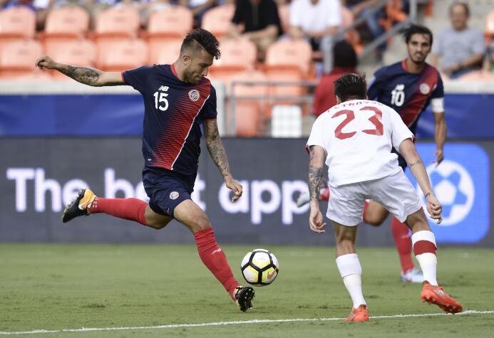 Costa Rica rescata un punto ante una sorprendente Canadá GettyImages-812...