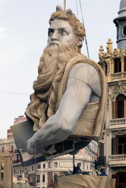 """El cuerpo principal del """"Moises"""" de la falla de la Plaza del Ayuntamient..."""