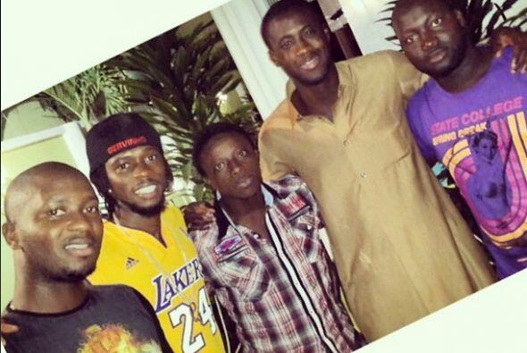 Gervinho de Costa de Marfil compartió esta foto con el mensaje: ''Visita...