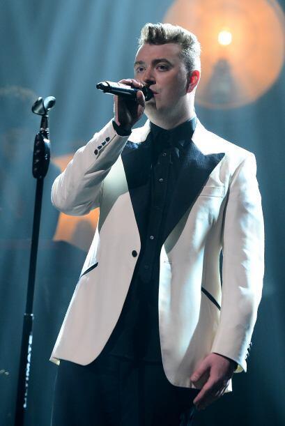 Hablando de talentos en ascenso, también incluyen al cantante Sam Smith....
