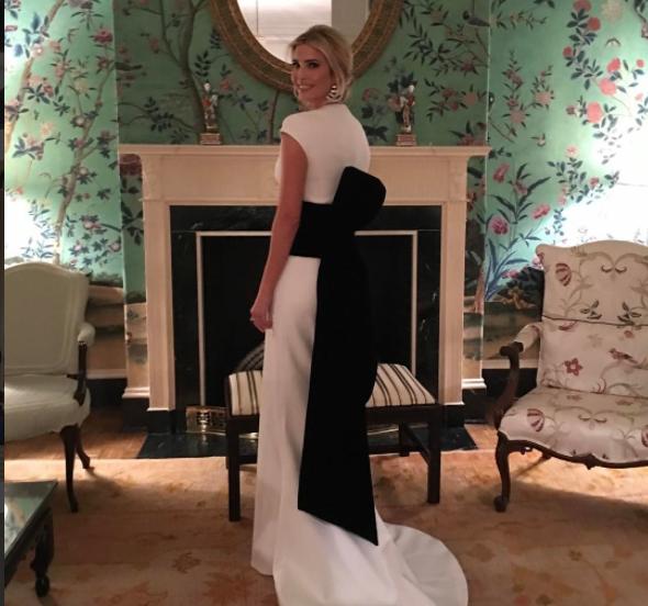 Lo que dice la ropa de Ivanka Trump desde que su padre se hizo president...