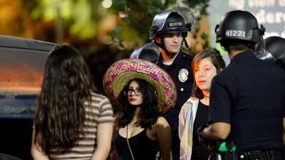 Arrestos multitudinarios en Los Ángeles tras rechazar abandonar protestas