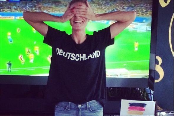 Heidy Khlum también apoyó a su selección, pero vaya sorpresa la que tuvo...