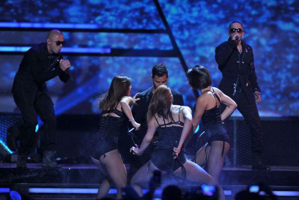 Durante su gira, que ha resultado un éxito total, el cantante ha elevado...