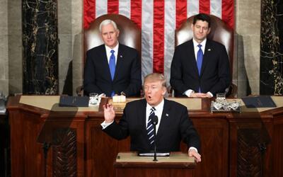 Trump defendió la construcción del muro en la frontera y sus órdenes eje...