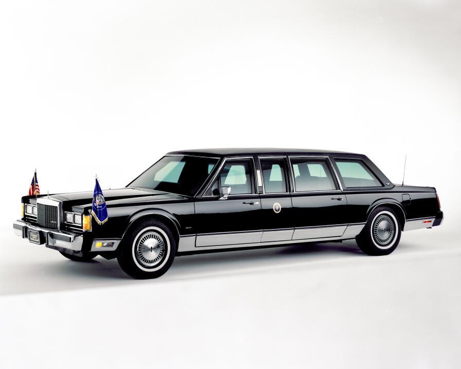 Donald Trump no estrena limusina en su inauguración 1989_LincPresiden_Li...