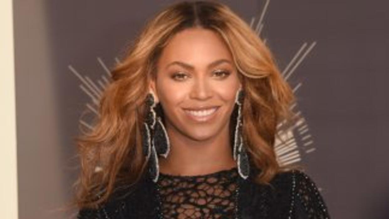 Beyonce se tomó el primer sitio de las cantantes mejor pagadas este 2014.