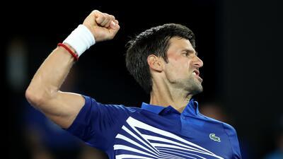 Debut triunfal para Djokovic en su camino hacia el récord de títulos en Australia