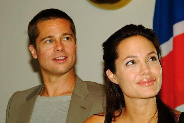 Brad y Angelina iban juntos a viajes humanitarios, como una misión a Nam...