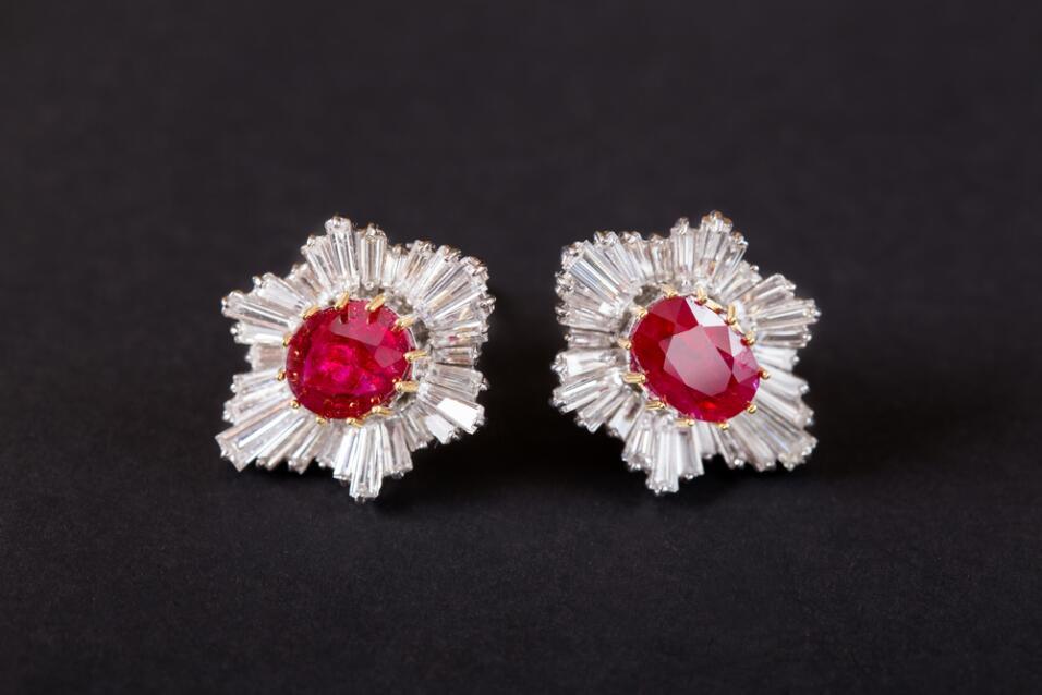 aretes de rubí y diamante