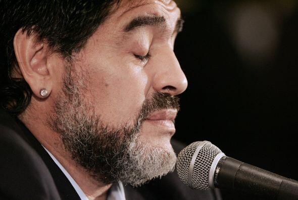Diego Maradona quisiera recibir una brújula porque está más perdido que...