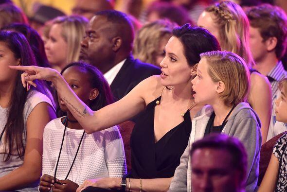 Angelina les explicaba cosas y les contaba detalles.
