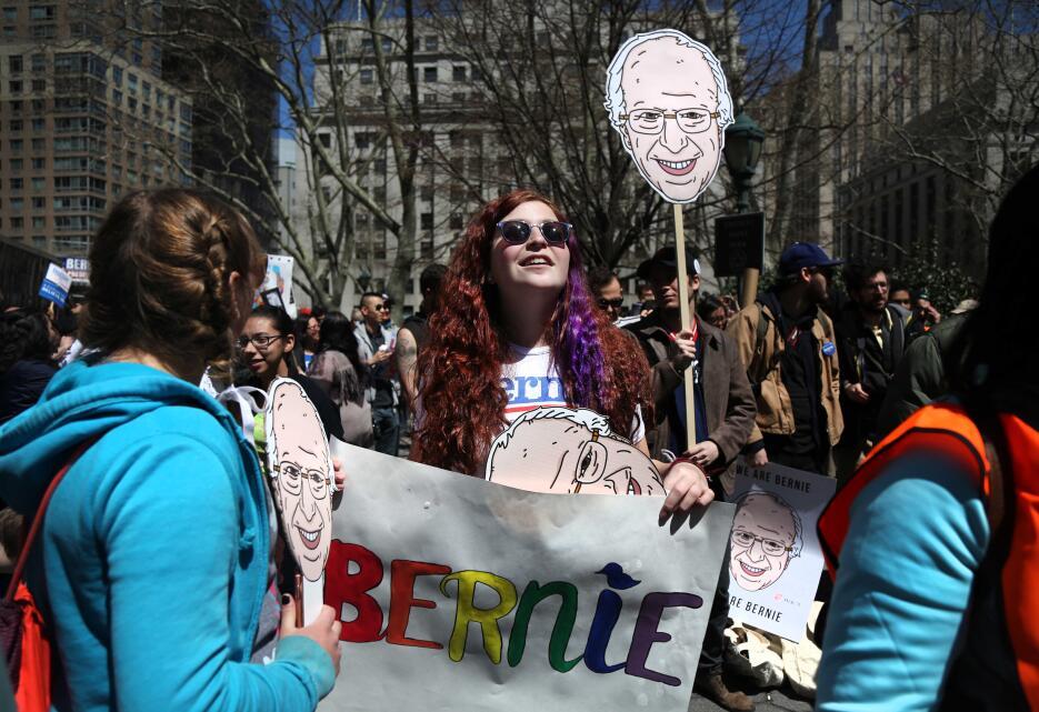 Manifestantes a favor de Bernie Sanders en Nueva York