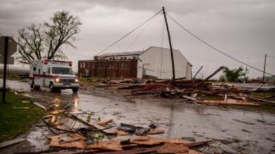 Cinco personas murieron el domingo en Oklahoma tras el paso de hasta 121...