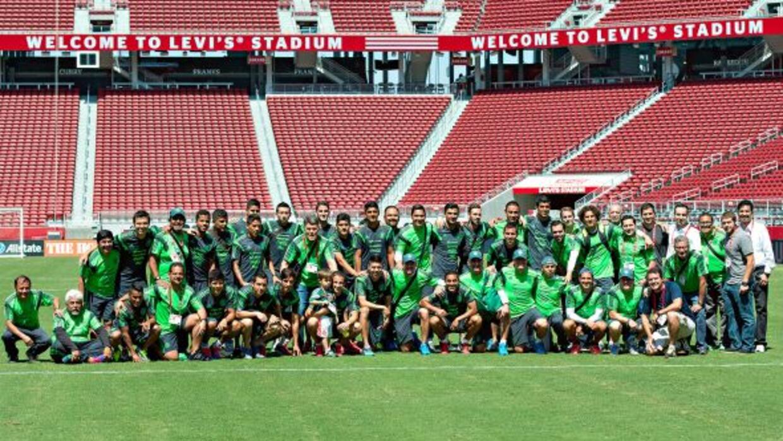 La selección de México posó en la cancha del Levi's Stadium donde esta n...