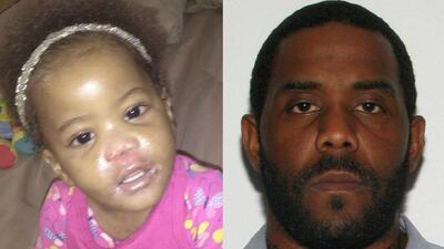 La pequeña Te'Myah Layauna Plummer y su padre Travis Lamont Plummer.