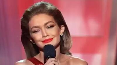 Gigi Hadid realiza una divertida imitación de Melania Trump en los American Music Awards