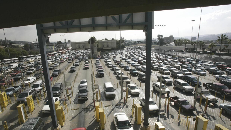 El tráfico infernal del paso fronterizo.