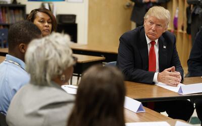 Donald Trump con estudiantes y maestros en la Cleveland Arts and Social...