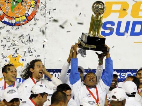 Liga de Quito volvió a llevarse el título de la Recopa Sud...
